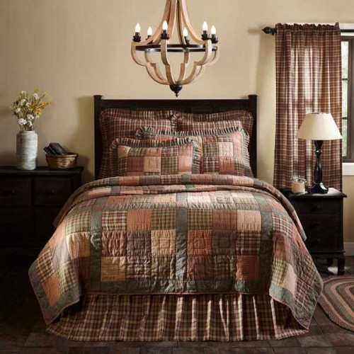 Crosswoods Primitive Quilt - Luxury King